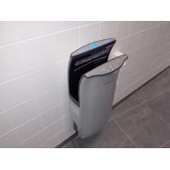 Tork Universal papírové ručníky Zigzag 4500 ks, 23 x 23 cm, 15 bal.